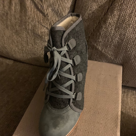 Maurices Shoes - Wedge grey booties